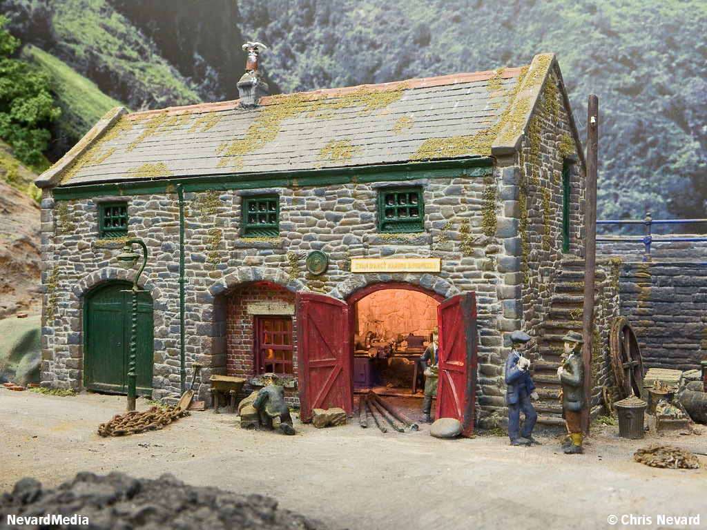 Toy Model Buildings : British narrow gauge in county gate page
